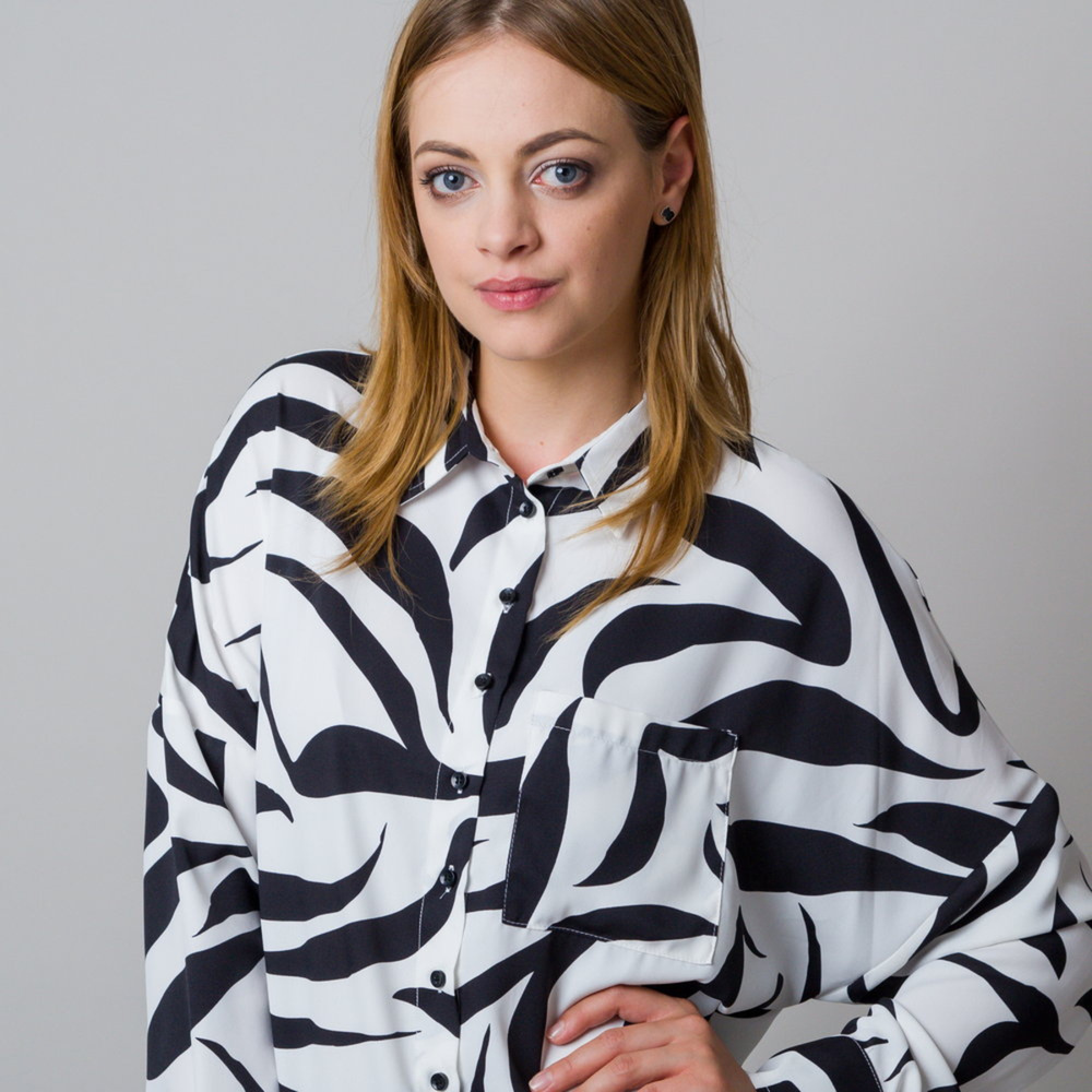 Women's shirt in white color with zebra print 11938