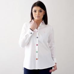 Women's shirt in white with large colorful buttons 10682