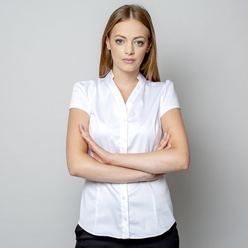 Women's shirt in white color with v-neckline 10905